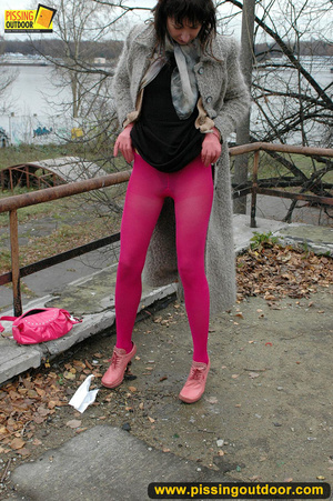 Girl in bright shows no shame as she bends to show pussy and pee right on the road - XXXonXXX - Pic 18