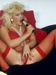 Retro chick in stockings playing with - XXX Dessert - Picture 4