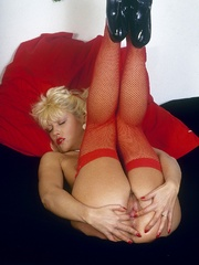 Retro chick in stockings playing with - XXX Dessert - Picture 7