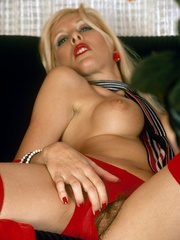Gorgeous beauty in red and white - XXX Dessert - Picture 4