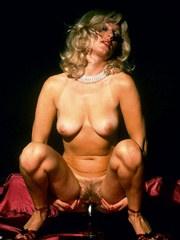 Blonde milf playing with thick glass - XXX Dessert - Picture 5