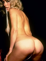 Blonde milf playing with thick glass - XXX Dessert - Picture 12