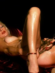 Blonde milf playing with thick glass - XXX Dessert - Picture 14