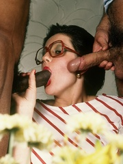 Horny classic chick having interracial sex - XXX Dessert - Picture 3