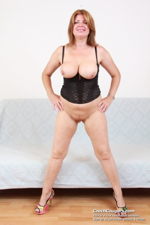 Hot momma with big tits spreads legs to show pussy and play with long pink dildo - XXXonXXX - Pic 2