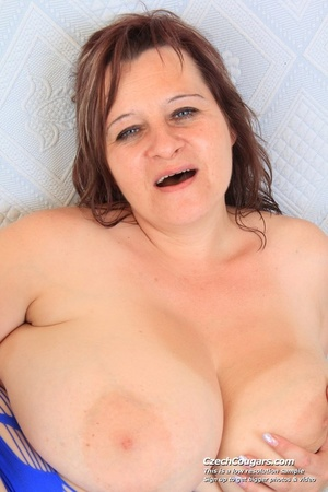 Cute momma with big bouncy tits opens up to reveal pussy as she sticks in dildo - XXXonXXX - Pic 2