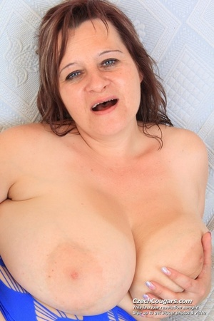 Cute momma with big bouncy tits opens up to reveal pussy as she sticks in dildo - XXXonXXX - Pic 5