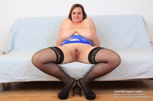 Cute momma with big bouncy tits opens up to reveal pussy as she sticks in dildo - XXXonXXX - Pic 6