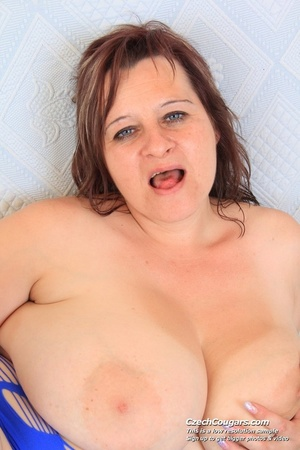 Cute momma with big bouncy tits opens up to reveal pussy as she sticks in dildo - XXXonXXX - Pic 8
