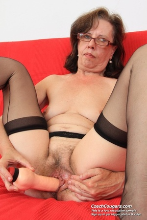 Matured chick in glasses shows hairy matured pussy, sucks dildo and puts in pussy - XXXonXXX - Pic 4