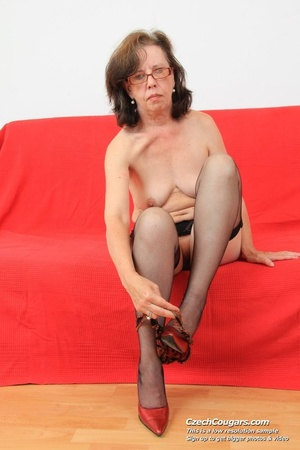 Matured chick in glasses shows hairy matured pussy, sucks dildo and puts in pussy - XXXonXXX - Pic 7