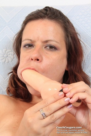 Pretty matured lady spreads pussy wide open and then masturbates with dildo - XXXonXXX - Pic 7