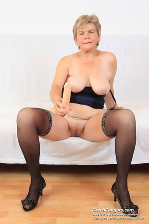 Slutty grandma with big tits feeling naughty opens and masturbates with sex toy - XXXonXXX - Pic 14
