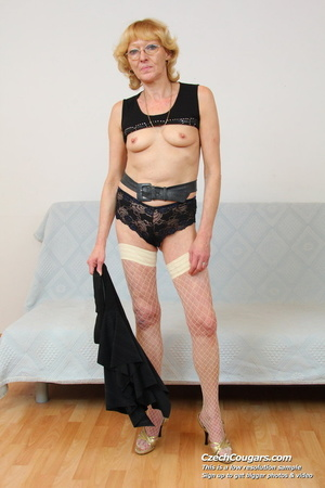 Matured mama show tits and pussy before masturbating with big dildo and fingers - XXXonXXX - Pic 6