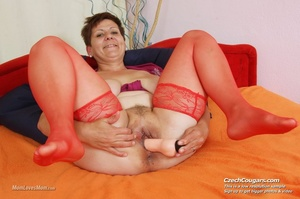 Plump momma with short hair and big tits plays with tits, pussy and long dildo - XXXonXXX - Pic 8