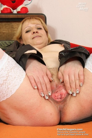 Hot mama looking for fun shows pussy and tits and plays with dildo - XXXonXXX - Pic 1