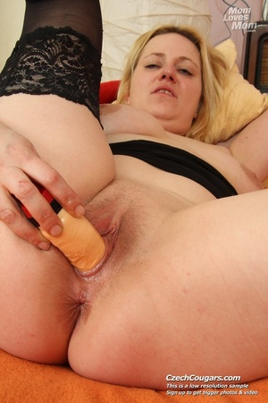 Wild matured mama just cant wait to be laid shows tits and pussy and fucks dildo - XXXonXXX - Pic 3
