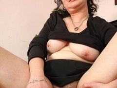 Hot blooded momma looks real hot showing pussy and - XXXonXXX - Pic 10
