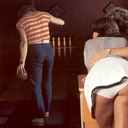 Four eighties bowlers having raunchy sex - XXX Dessert - Picture 1