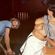 Four eighties bowlers having raunchy sex - XXX Dessert - Picture 4