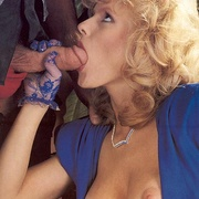 Classy eighties lady in blue stockings - XXX Dessert - Picture 5