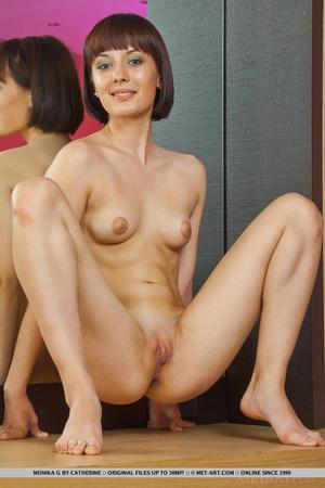 Голые женщины с короткой стрижкой фото
