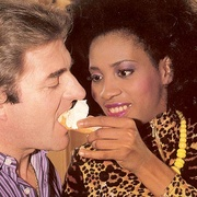Black eighties lady loves a big white - XXX Dessert - Picture 3