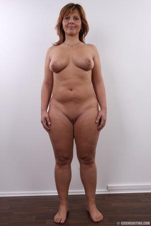 naked girlfriend full bush