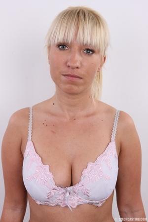 Blonde with seductive body showing big t - XXX Dessert - Picture 5