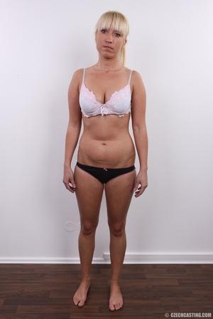 Blonde with seductive body showing big t - XXX Dessert - Picture 6