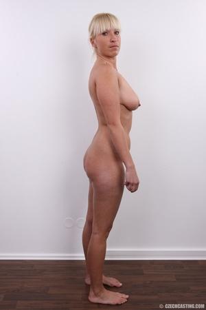 Blonde with seductive body showing big t - XXX Dessert - Picture 15