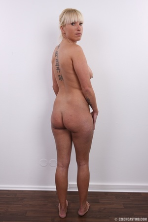 Blonde with seductive body showing big t - XXX Dessert - Picture 17