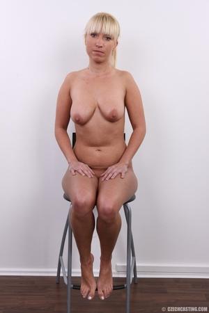 Blonde with seductive body showing big t - XXX Dessert - Picture 18