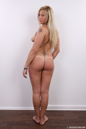 Fleshy tattooed blonde beauty shows slig - XXX Dessert - Picture 22