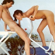 Gymnastic seventies couple doing it on - XXX Dessert - Picture 5