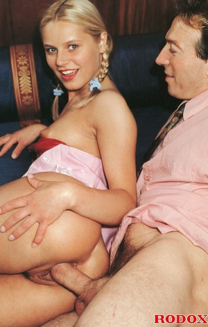 Very cute retro blonde banged by her hor - XXX Dessert - Picture 8