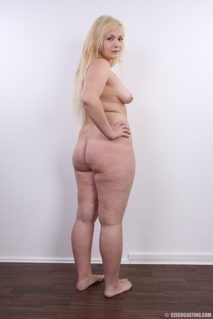 Chubby cute faced blonde shows big sexy  - XXX Dessert - Picture 17