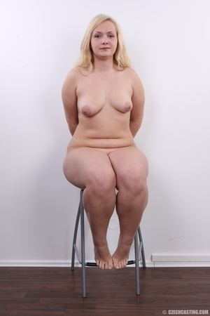Chubby cute faced blonde shows big sexy  - XXX Dessert - Picture 18