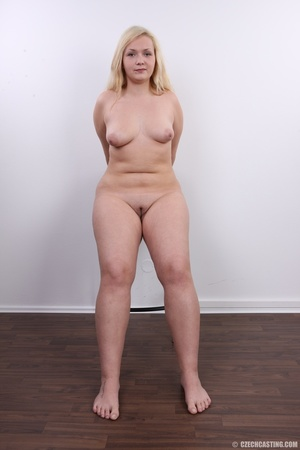 Chubby cute faced blonde shows big sexy  - XXX Dessert - Picture 20