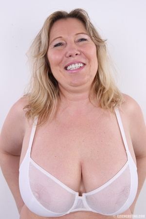 Horny and slutty blonde mama with super  - XXX Dessert - Picture 4