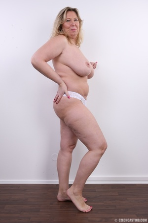 Horny and slutty blonde mama with super  - XXX Dessert - Picture 12