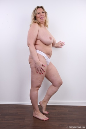 Horny and slutty blonde mama with super  - XXX Dessert - Picture 14