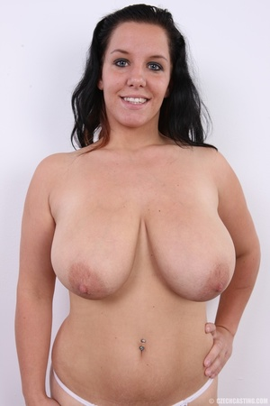 Chubby chick with cute smile shows her h - XXX Dessert - Picture 11
