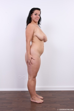 Chubby chick with cute smile shows her h - XXX Dessert - Picture 16