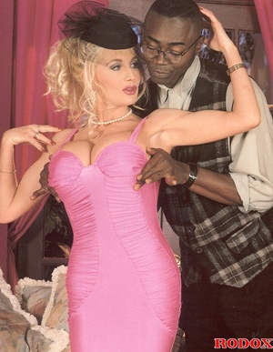 Retro blonde nailed by a large solid bla - XXX Dessert - Picture 5