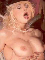 Retro blonde nailed by a large solid - XXX Dessert - Picture 14