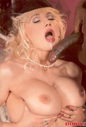 Retro blonde nailed by a large solid bla - XXX Dessert - Picture 14