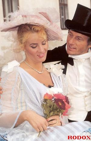 Shagging the willing pretty sexy bride a - XXX Dessert - Picture 1