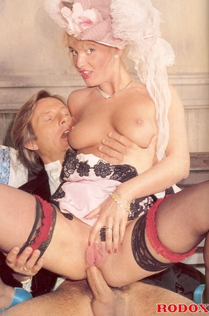 Shagging the willing pretty sexy bride a - XXX Dessert - Picture 9
