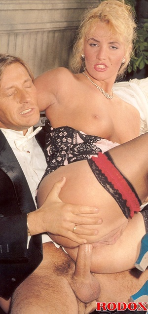 Shagging the willing pretty sexy bride a - XXX Dessert - Picture 10